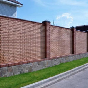 Построить забор из кирпича своими руками. Порядок работ от «А» до «Я».